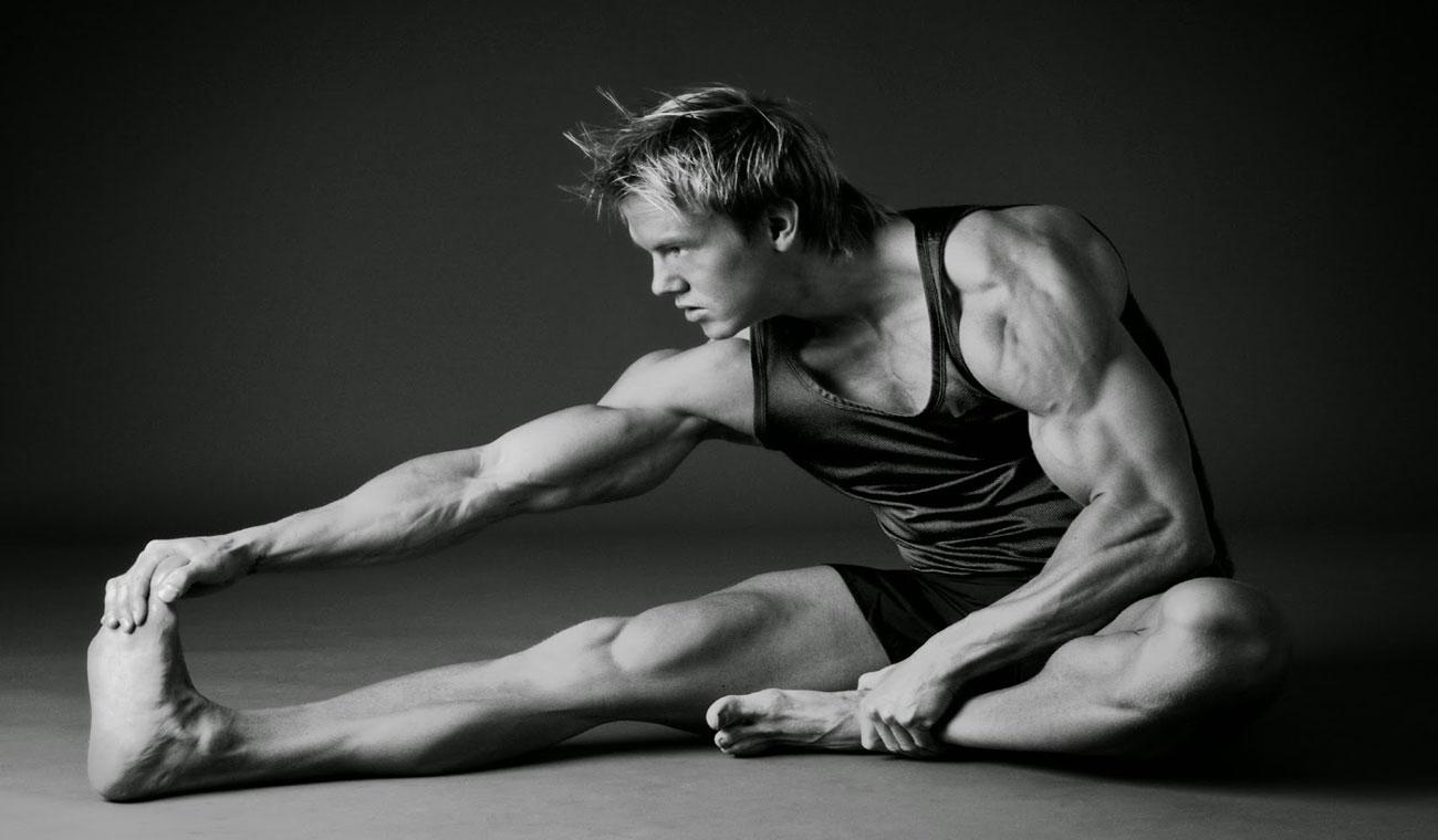 تمرینات کششی عضله ران پا