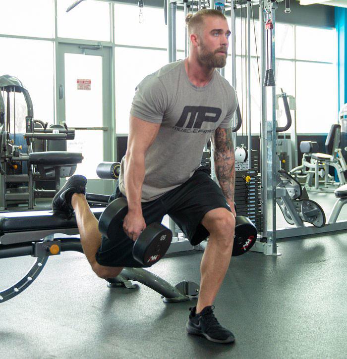 قیچی تک پا دمبل برای عضله سازی پا