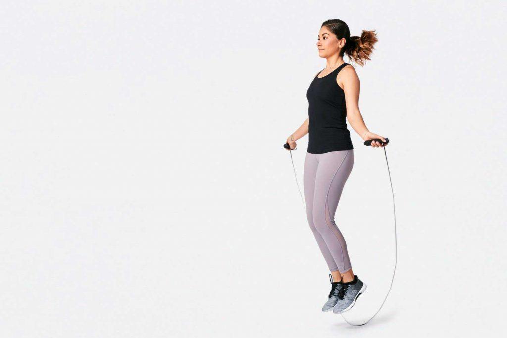 تمرینات کاردیو در منزل : طناب زدن
