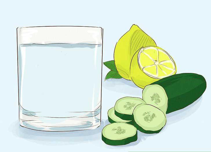 نوشیدن آب برای لاغری شکم و پهلو