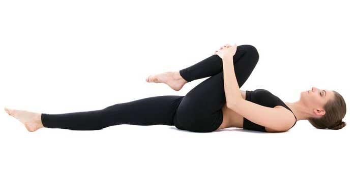 حرکت زانو به سمت عضلات سینه