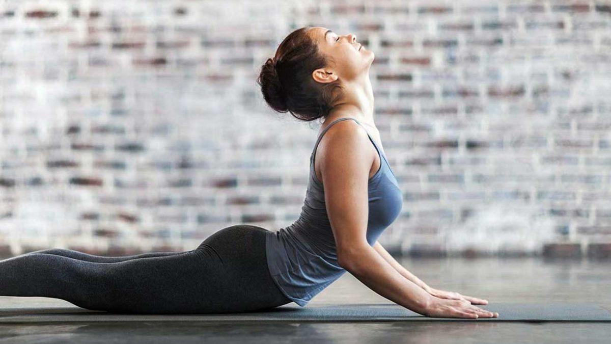 فواید ورزش یوگا در انعطاف پذیری کمر