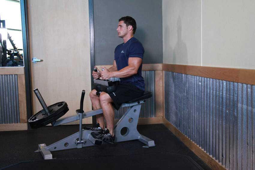 ساق پا نشسته در برنامه بدنسازی حجمی با تصویر