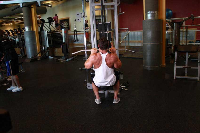 ورزش زیر بغل سیم کش دست بسته
