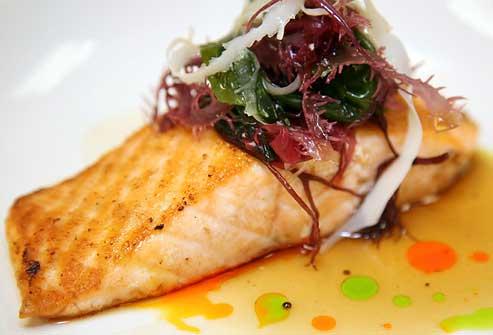 مصرف ماهی در رژیم پروتئین لاغری