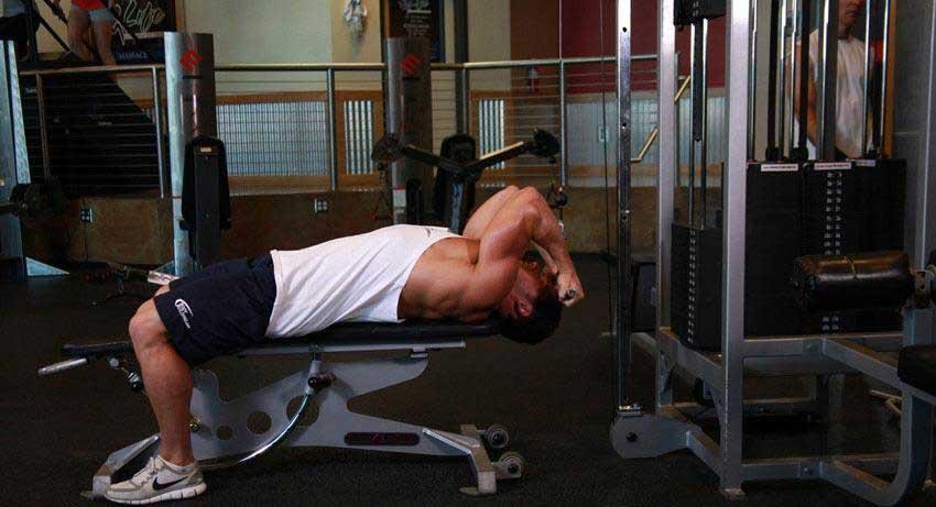 حرکت ورزشی جلو بازو سیم کش خوابیده