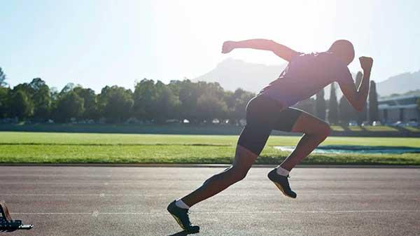 با حداکثر سرعت دویدن