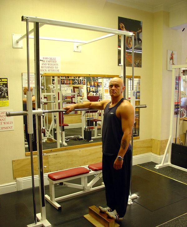 تمرین ساق پا ایستاده با وزن بدن