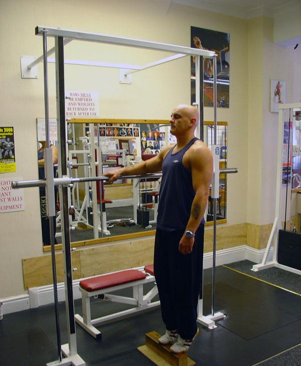 تمرین ساق پا ایستاده با وزن بدن (01)